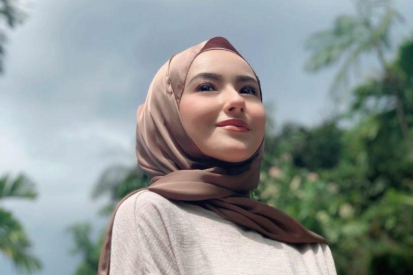Kongsi foto berhijab dengan kapsyen 'Bismillah', peminat doakan Hannah Delisha istiqamah - Hiburan   mStar