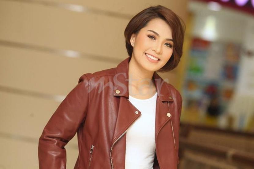 Janna Nick Mahu Potong Rambut Pendek Hiburan Mstar